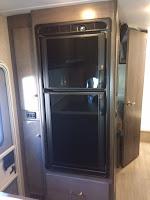 2018.5 Winnebago Fuse 23T refrigerator