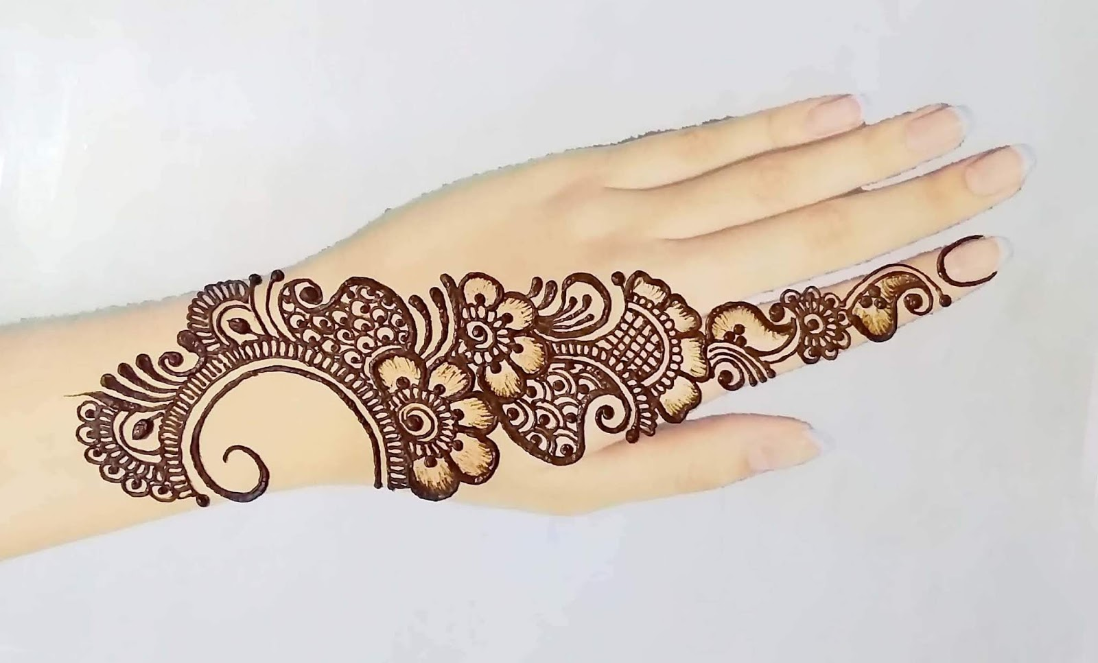 mehndi-designs-for-eid-2020