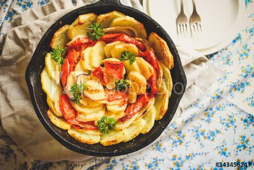 تعرفى على طريقة تحضير بطاطس بخلطة البيتزا الشهية