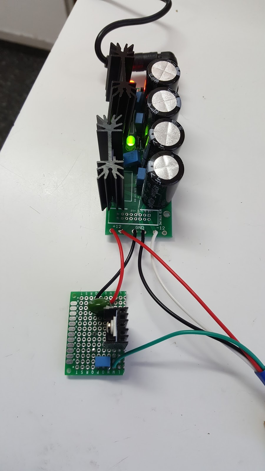 How To Make Simple Dc To Dc Cell Phone as well Simple Condenser Microphone Mini Audio Sound  lifier Circuit Schematic additionally Bridge Rectifier With Capacitor Filter also Viewtopic in addition 9v Power Supply Lm7809. on lm7806 circuit