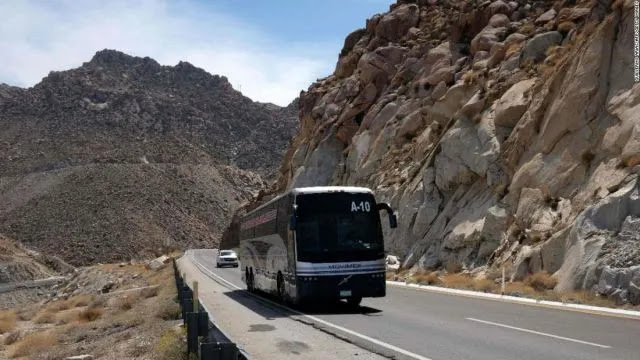 Στο Μεξικό, ένα λεωφορείο με επιβάτες που έπεσε από γκρεμό μετατράπηκε σε φάντασμα