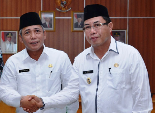 Iskandar dan Muhammad Rifa'i (Bupati dan Wakil Bupati OKI periode 2014 - 2019) Daftar bupati OKI dan wakil bupati OKI