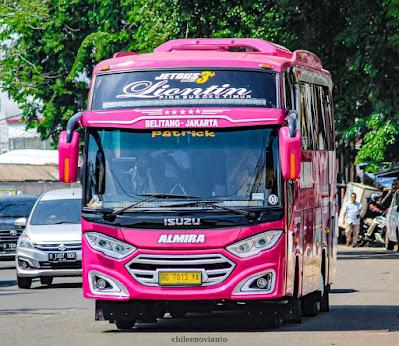 Bus Almira dari PT Almira Putri Harum