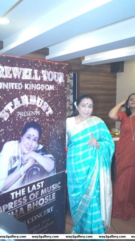 Singer Asha Bhosle unveiled Society magazines May issue which features her