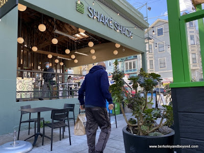 exterior of Shake Shack in San Francisco, California