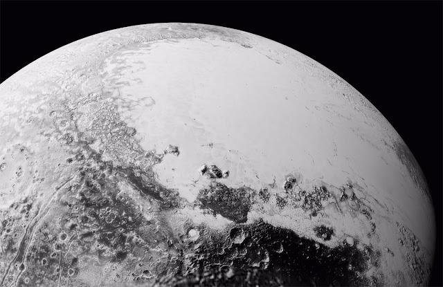 Plutão em alta resolução