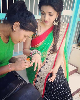 Sexy-heroin-Kajal-Looking-Gorgeous-In-Saree-andhra-talkies