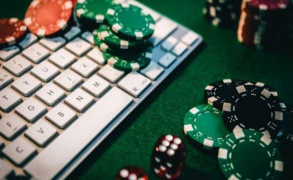 Manfaat Bermain Poker Online Tahun 2020