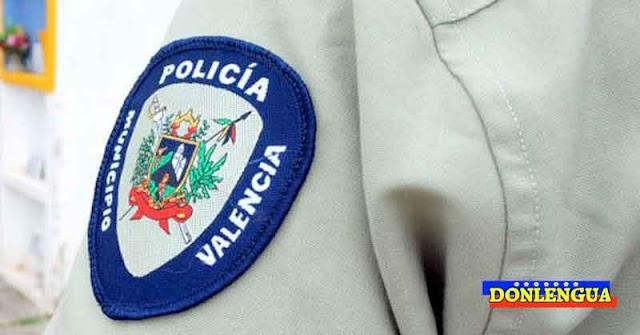 Detenidos policías de Valencia por bañarse borrachos en la playa y botar las pistolas