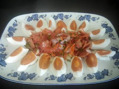 Eiersalat mit Shrimps
