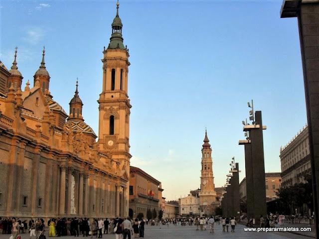 La Plaza del Pilar y la Basílica del Pilar en Zaragoza