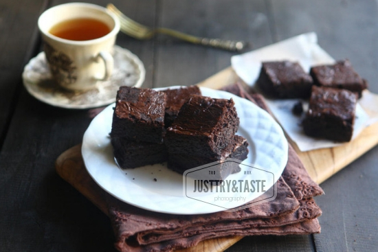 Resep Shiny Fudgy Brownies JTT