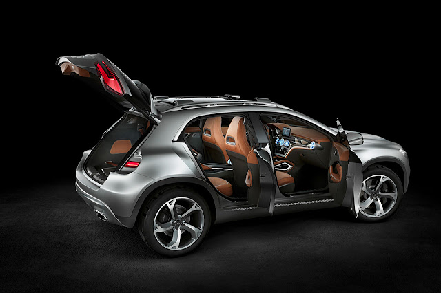 Mercedes-Benz Concept GLA doors opened