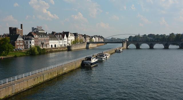 Modern Maastricht maas