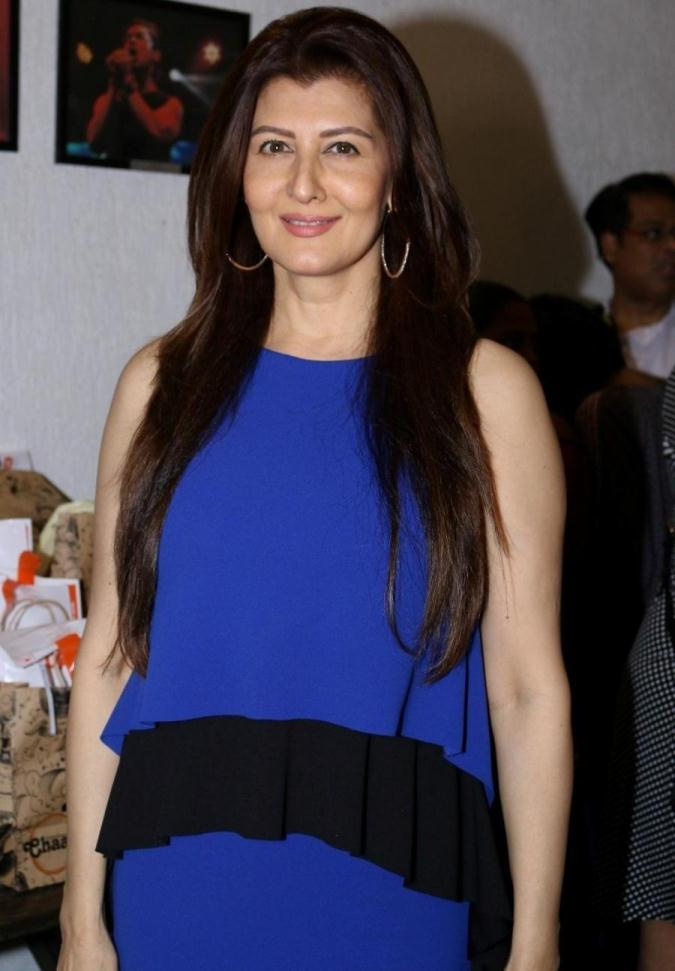 Sangeeta Bijlani Photos In Blue Dress At Indias First Dance Week