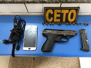 Pistola alemã e munições são encontradas em mochila abandonada na BR-101 em Alagoinhas