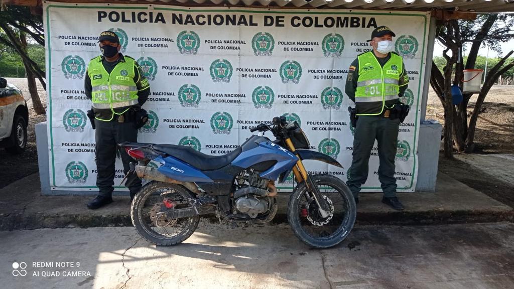 https://www.notasrosas.com/Seccional de Tránsito y Transporte combate diferentes delitos en carreteras guajiras
