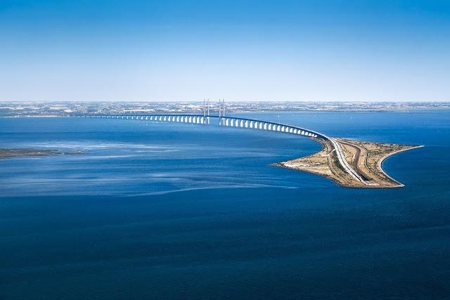 """Cầu Oresund – Tuyệt tác kiến trúc """"biến mất"""" giữa lòng đại dương"""