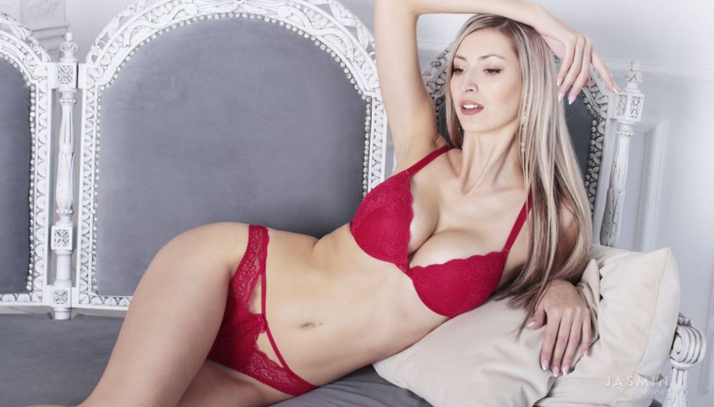 BlondieChic Model GlamourCams