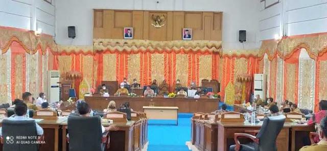 Ketua DPRD Pasaman Barat Sayangkan Banyak OPD Tidak Menghadiri Rapat Paripurna