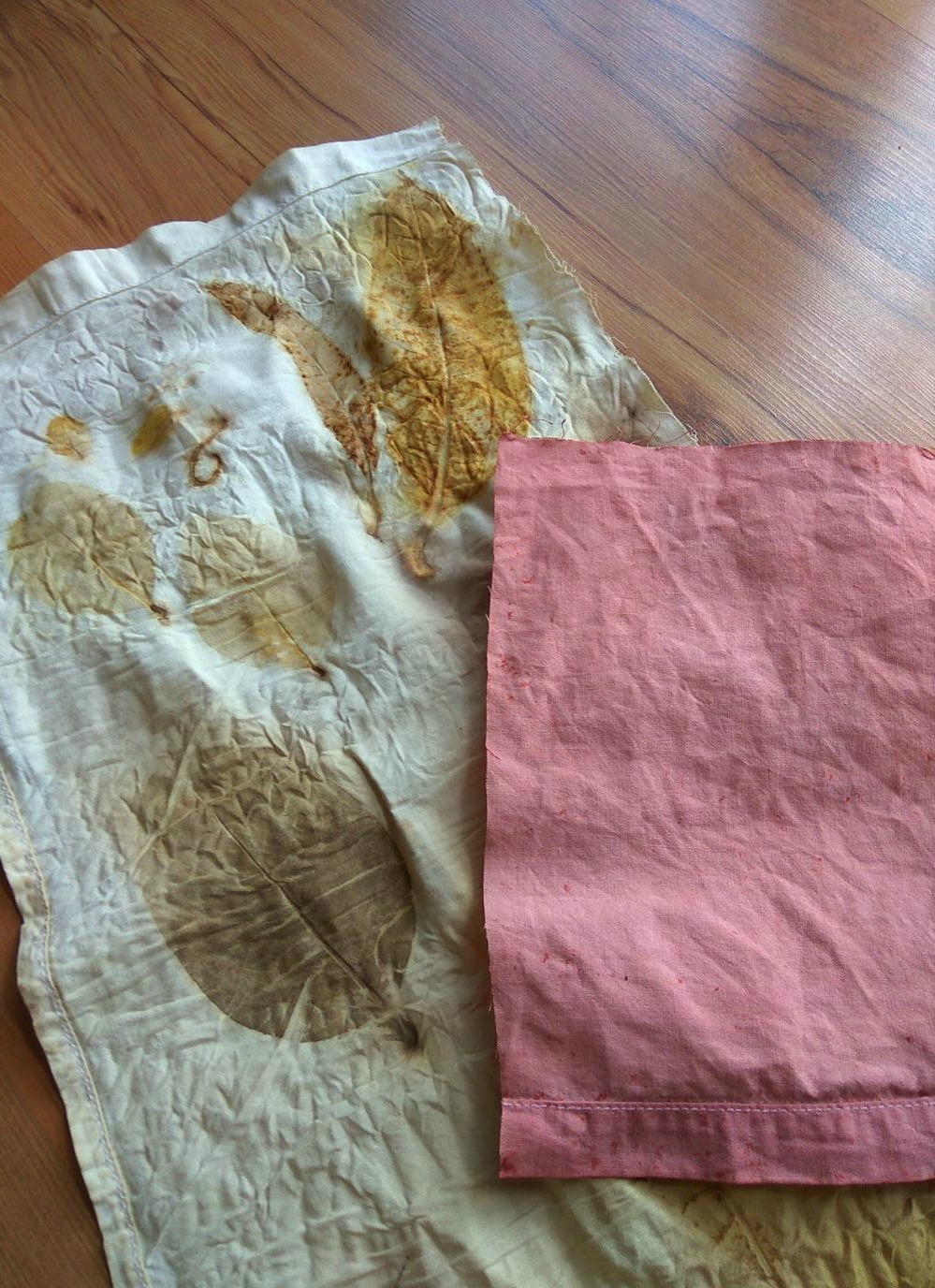 Eco printing with leaves