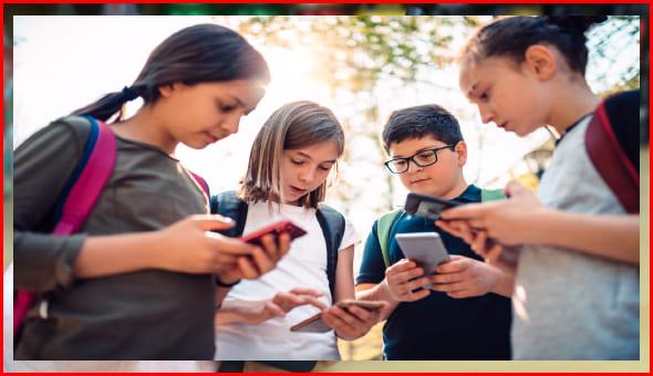 خطر الهواتف على الاطفال