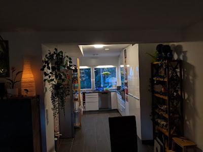 Küchentunnel mit HUE Leuchten, IKEA Irsta und IKEA Skydrag