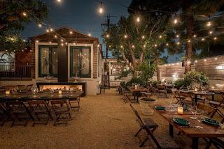 Konsep outdoor cafe