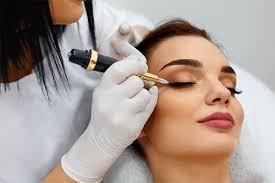 Des mythes et des vérités derrière le maquillage permanent des yeux
