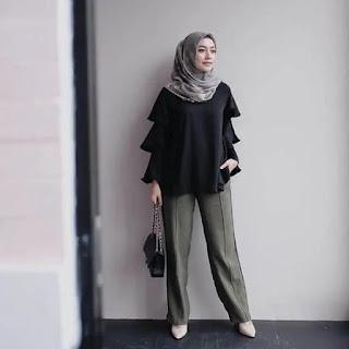 pakaian melamar kerja wanita berjilbab