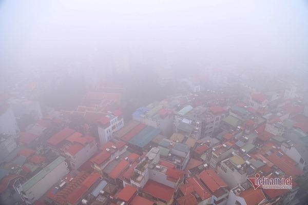 Chủ tịch Hà Nội: Không khí ô nhiễm nặng, học sinh có thể nghỉ học