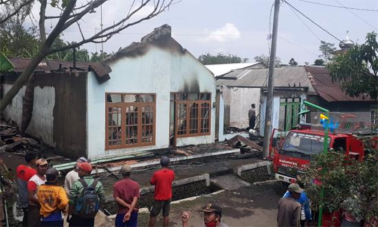 2 Rumah di Desa Sima Ludes Terbakar, Kerugian Ditaksir Ratusan Juta Rupiah