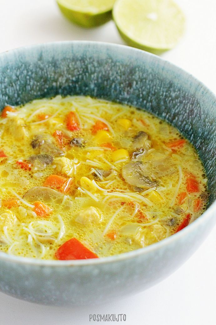 Zupa tajska z kurczakiem i warzywami