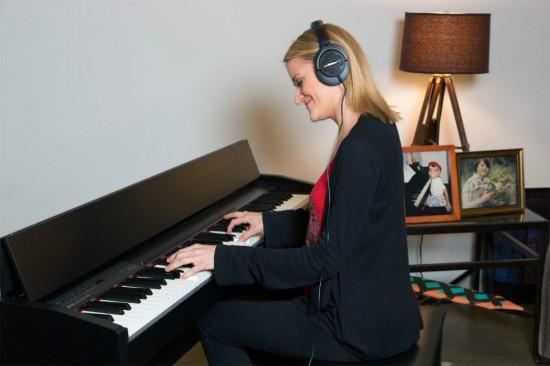 Bán Đàn Piano Điện Roland F-130R Giá Rẻ ở Tphcm