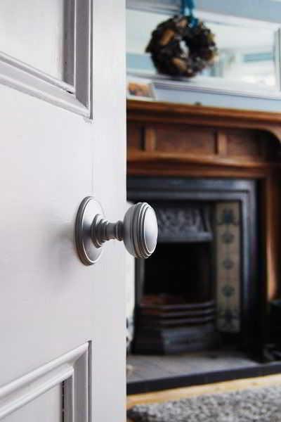 Model Gagang Pintu Bundar Modern