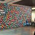 Azul oferece snacks em painel gigante no desembarque do Santos Dumont