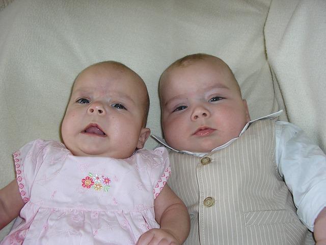 bayi kembar sepasang laki-laki perempuan, bayi kembar sepasang, anak kembar sepasang, anak kembar, anak kembar laki-laki dan perempuan, bayi