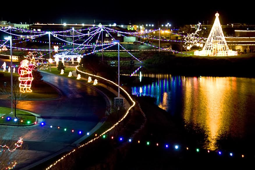 Wichita Area Events Heartspring S Lights On The Lake