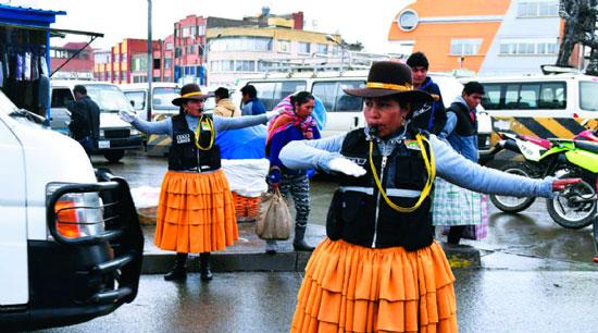 Machismo, principal rival de las cholitas de la guardia edil alteña