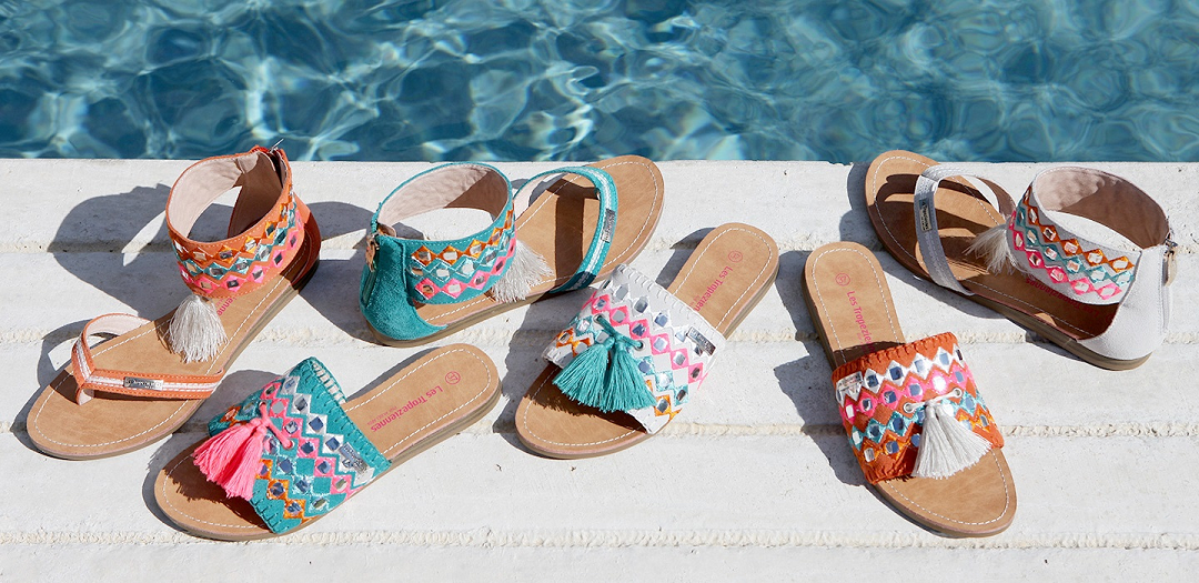 kolorowe modne klapki francuskiej marki