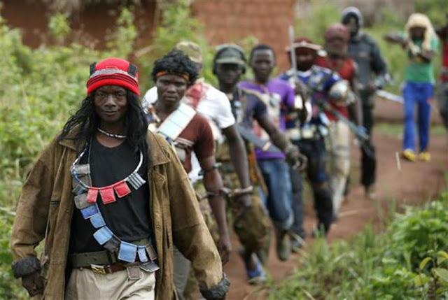 kristen afrika tengah yang berusaha membunuh muslim