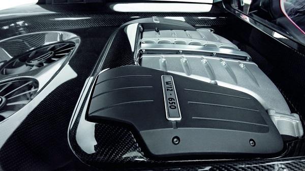 Volkswagen Golf GTI W12-650