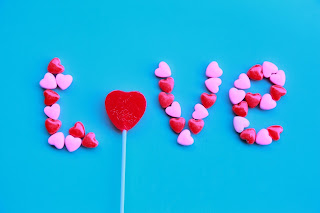 Love-text-heart-shaped-lollipop-art-image-for-her.jpg