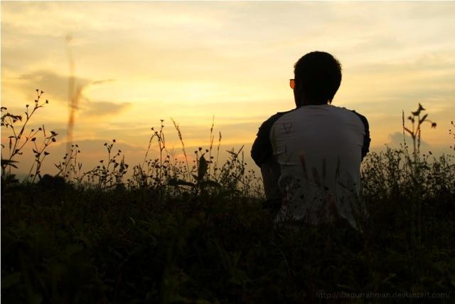pria ditolak cinta menyendiri