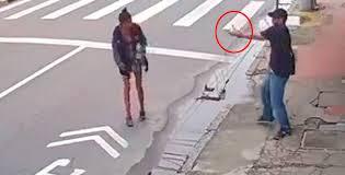 Εν ψυχρώ δολοφονία άστεγης για 20 λεπτά του ευρώ - Σκληρές εικόνες (βίντεο)