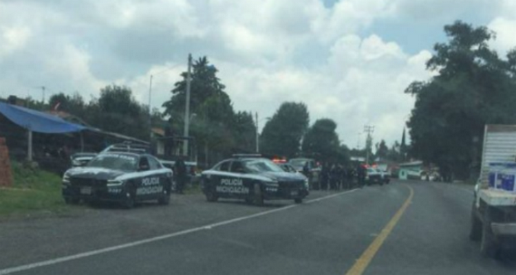 Se suscita balacera entre sicarios en Zacapu, Michoacán: dejan seis ejecutados.