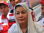 Viral! Video 'Wanita Emas' Dituduh Tabrak Mobil Anggota TNI