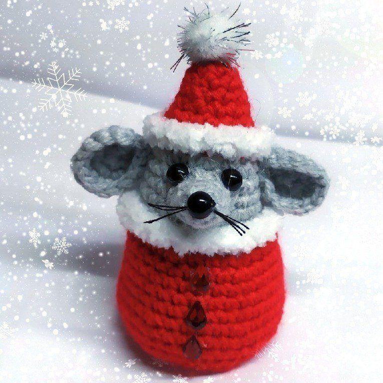 1000 схем амигуруми на русском: Мышонок Санта крючком