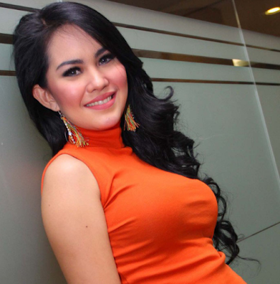 Kartika Putri Artis Indonesia paling Seksi