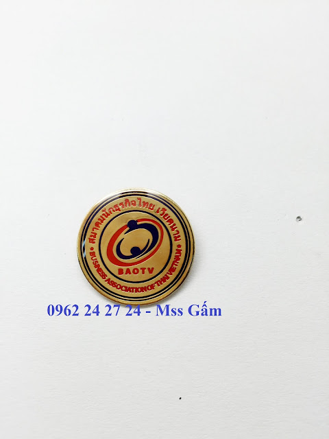 chuyên sản xuất và cung cấp huân chương kháng chiến, cung cấp ve cài áo nhân viên - 260101